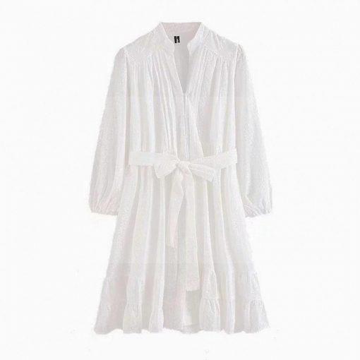 Kurzes weißes Kleid im Bohème Chic Stil
