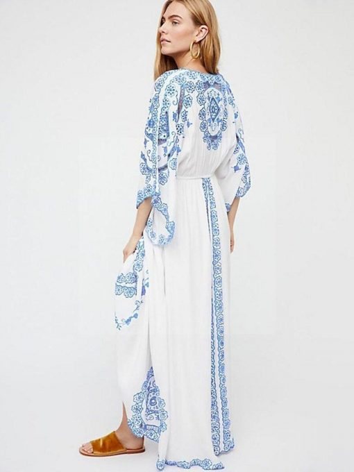 Weißes Spitzenkleid im Hippie Chic Stil